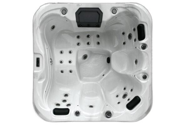 Azores Plus hot tub